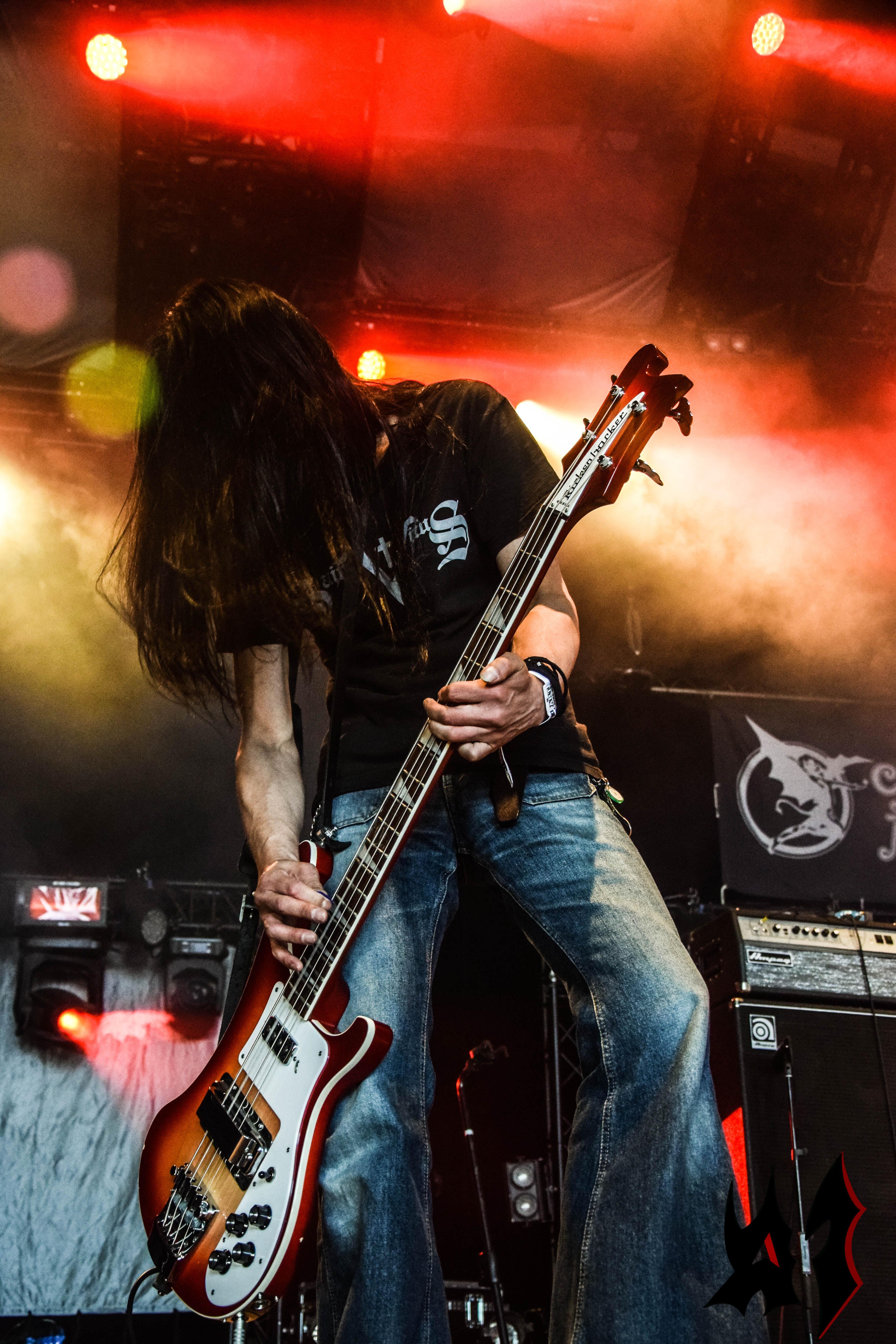 Hellfest - Day 1 - Church Of Misery - 24