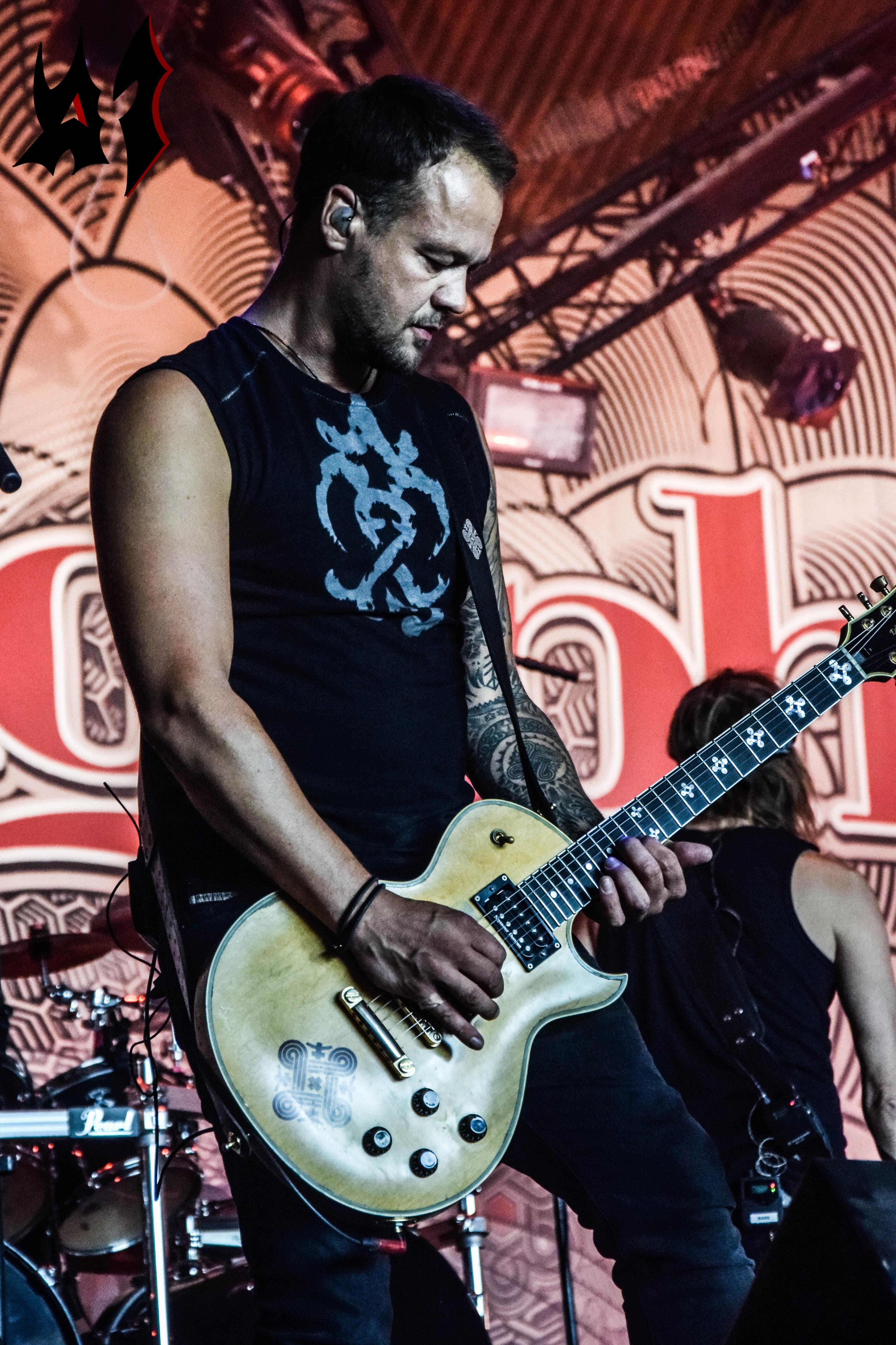 Hellfest 2018 – Day 3 - Amorphis 4